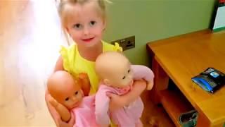 Куклы и Эльвира Играют В Прятки в доме и веселятся