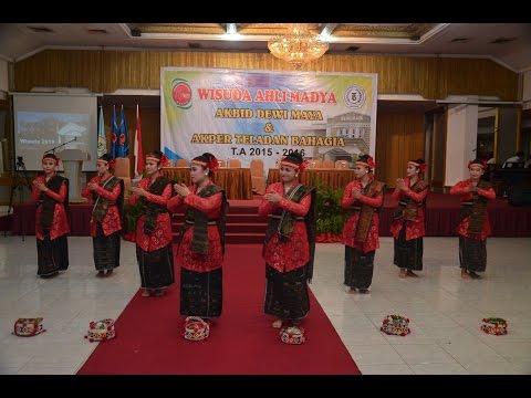 Tari Sigale - gale Perfom by Mahasiswi Dewi Maya Medan