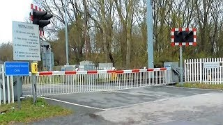 *Rare Request Crossing, Faulty Alarm* Appleford Level Crossing, Oxfordshire