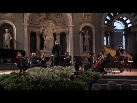 J.S. BACH-Concerto La min vl e orch BWV 1041 - vers. per bayan - CONVERTINO-RUFFINI  /Bach in Black