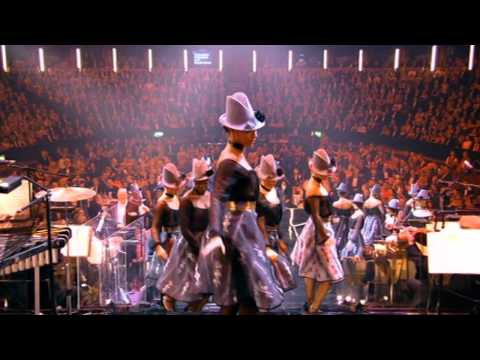 Robbie Williams - Let´s Face The Music And Dance - Live at the Albert - HD
