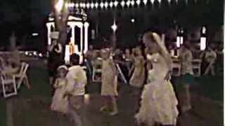 Bride and kids dance to Gangnam Style
