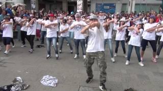 FlashMob Hip Hop Johnny Stellato al McDonald