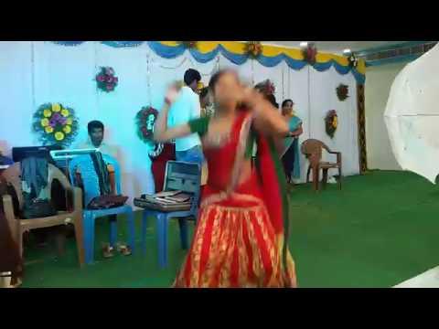 Chakka chakka telugu dj song || Mesmerising recording dance at marriage || ramesh