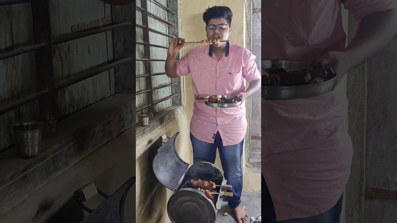 Friend Logon ke sath milkar bnaya huva Chicken Tandoori Tikka Eating Show 😋 #Shorts #food