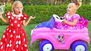 Алиса и Ева играют с новыми игрушками для девочек / Сказки  для Евы