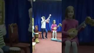 First steps with Ukulele. Первые уроки на Укулеле (методика Натальи Ярцевой).
