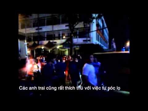 Hot girl Sài Gòn thi nhau ra đường chơi sóc lọ đêm Giáng sinh 2012