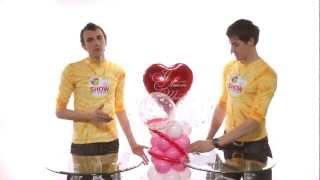 видео Использование гелиевого баллона в магазине розничной продажи воздушных шаров