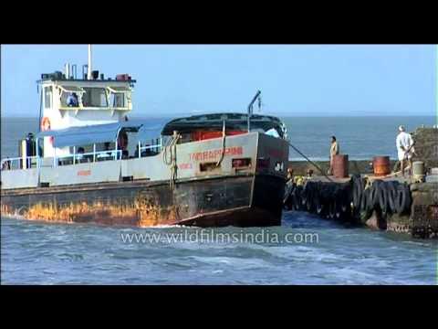 Tourist boat for Kanyakumari temple