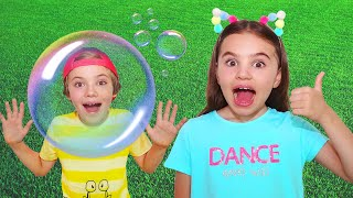 Bubbles Song by Nick and Poli |동요와 어린이 노래 | Kids Song