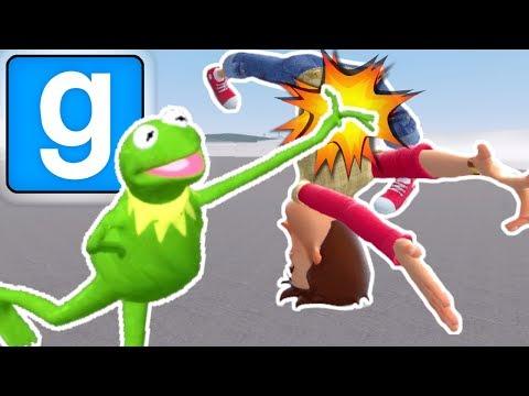 GMOD KARATE BATTLE WITH MY FRIENDS! | Multiplayer Garry's Mod Gameplay