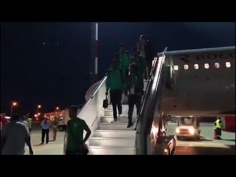 Avião com time Saudita pega fogo