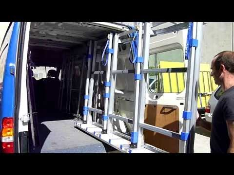 Пирамида для стекла внутри фургона