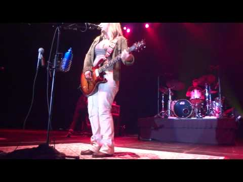 Melissa Etheridge Your Little Secret Live May 25 2012 Turning Stone Resort and Casnio