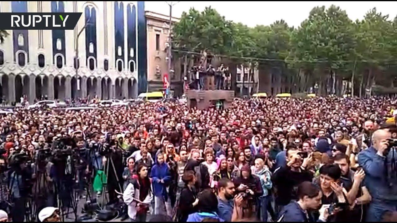 В Грузии протестуют из-за антинаркотических рейдов в ночных клубах