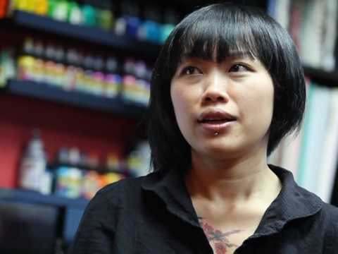 Hong Kong women shrug off tattoo taboo
