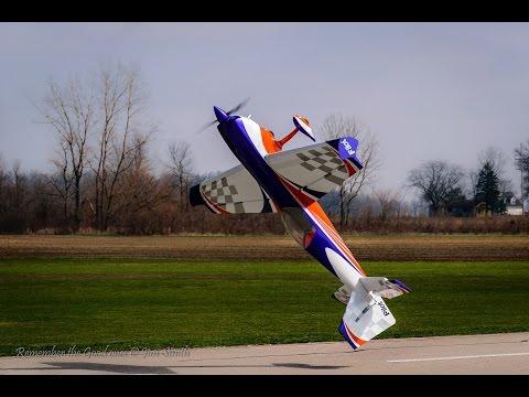 Joe Smith Pilot Extra 330 sc with a GP123 Xpert Servos