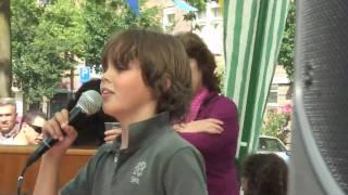 Pepijn zingt Je zit op rozen van Marco Borsato op E FACTOR 2009