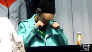 Fancam 130419 L.Joe fixing his glasses @ mokdong fansigning