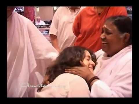 Beautiful Amma moments of USA Yatra 2011