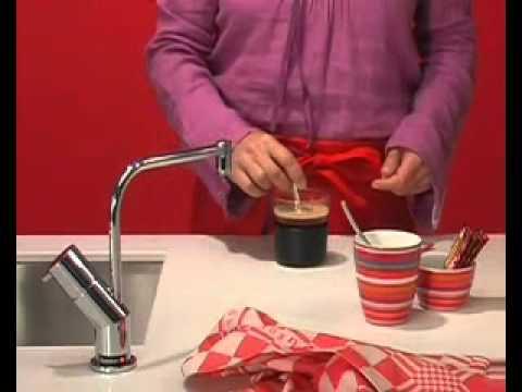 kochend wasser armaturen kochendes wasser auf knopfdruck by quooker youtube. Black Bedroom Furniture Sets. Home Design Ideas