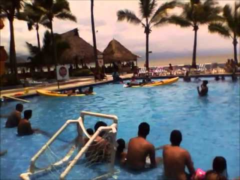 Actividades en la piscina hotel las palmas youtube for Piscina las palmas