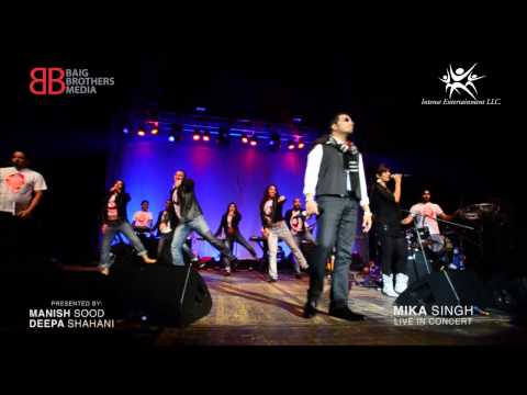 "Mika Singh Going Wild Singing ""Dhinka Chika"""