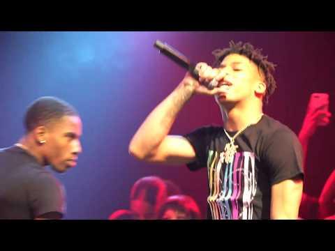 "Lil Durk brings out NLE Choppa ""SHOTTA FLOW"" live"