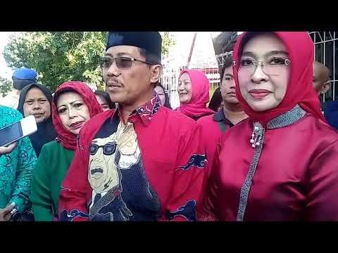 Pencoblosan Pilkada Kab Cirebon Jawa Barat, Bupati Sunjaya Nyoblos Di Desa Beberan Kec Palimanan