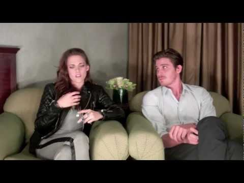 """Twilight"" Star Kristen Stewart and Garrett Hedlund Interviewed by Scott Feinberg"