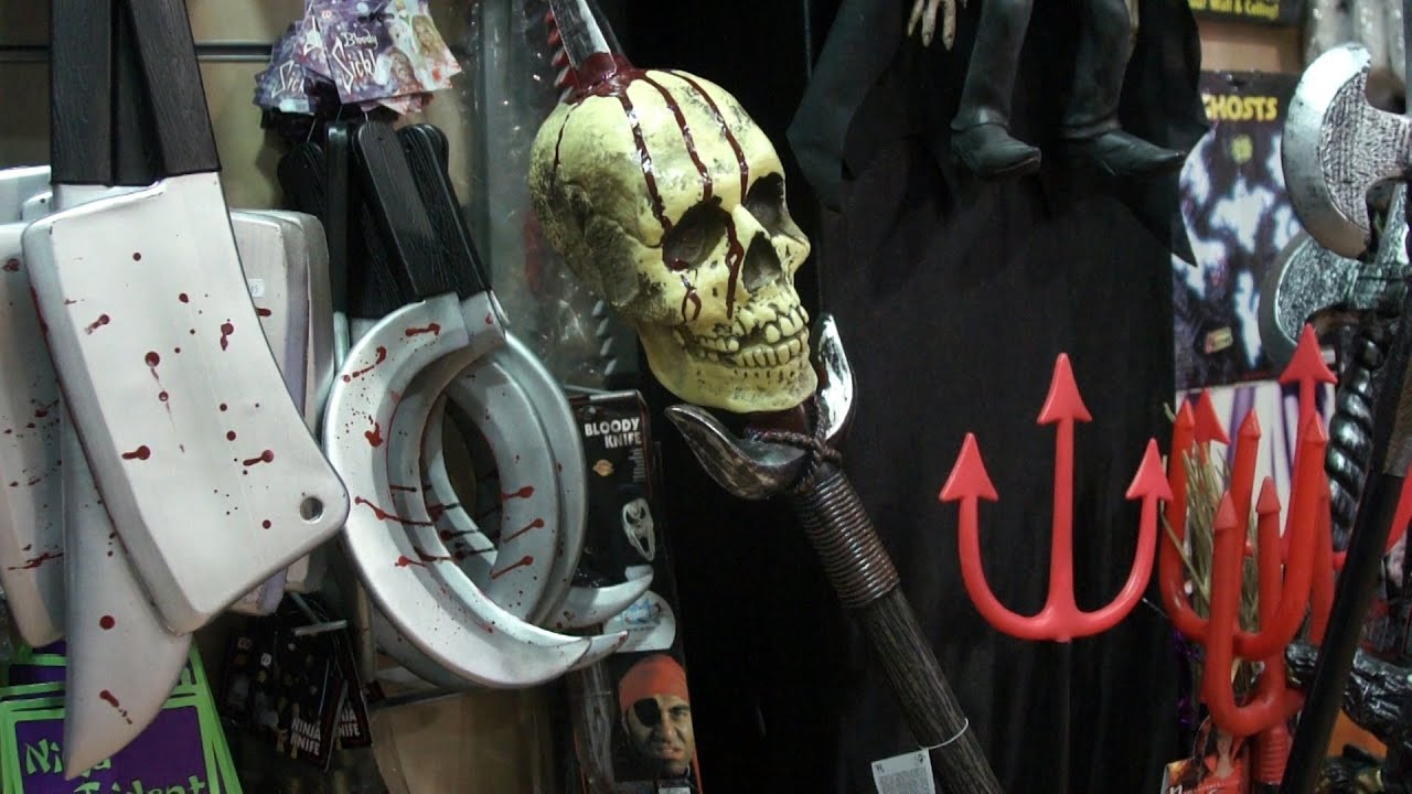 Venta de disfraces para Halloween - YouTube
