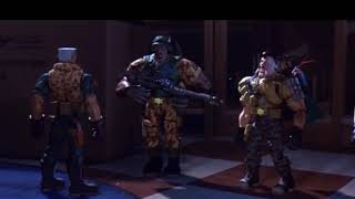 Десантники активизируются ... отрывок из фильма (Солдатики/Small Soldiers)1998