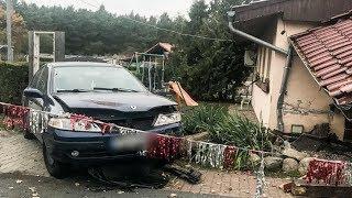 20-latek bez uprawnień pędził przez wieś koło Sulęcina i uderzył w budynek