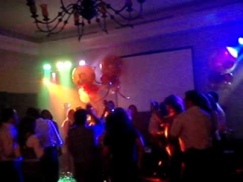 Fiestas tipo disco el mejor ambiente para tus eventos www for Decoracion de pared para quinceanera