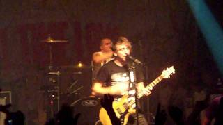 "All Time Low - ""Dear Maria, Count Me In"" (Live)"