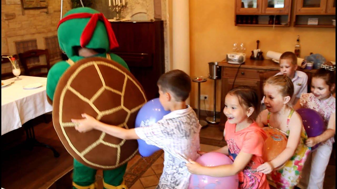 Черепашка ниндзя Рафаэль на День рождения - YouTube