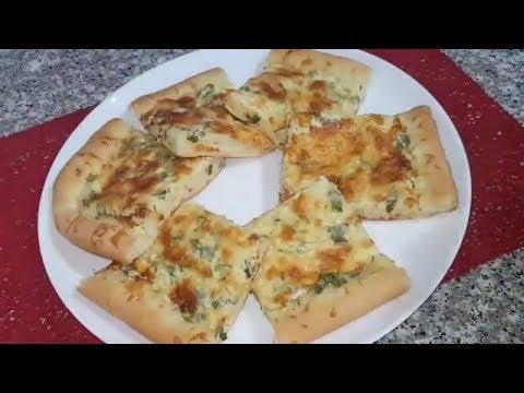 بيتزا-بصلصة-بيضاء-خفيفة-و-بنينة