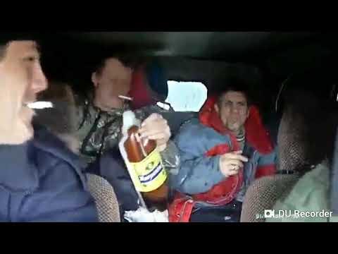 Мужики в УАЗе, Три полоски.
