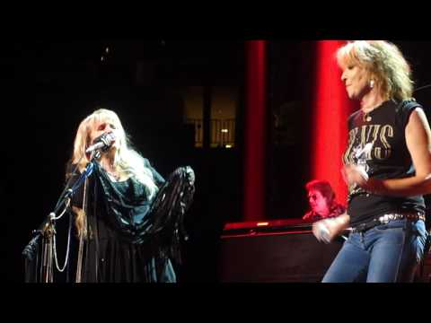 Stevie Nicks & Chrissie Hynde - Stop Draggin' My Heart Around (LIVE) 10/29/2016