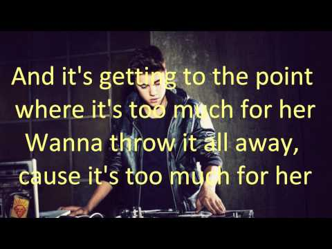 Justin Bieber - She Don't Like The Lights (with Lyrics)