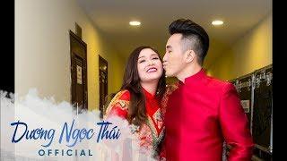 Vợ chồng Dương Ngọc Thái tình tứ ở hậu trường liveshow 'Một thoáng quê hương 6'