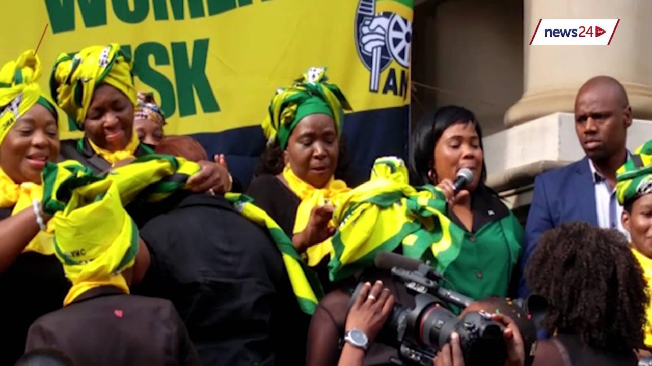 Watch Dlamini Zuma Showing How To Wrap A Doek Youtube