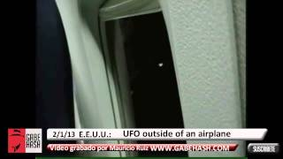 STRANGE OBJECT CAPTURED FROM AN AIRPLANE JANUARY 2 2013