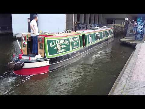 The Canal Boat's Lift - Birmingham Canal