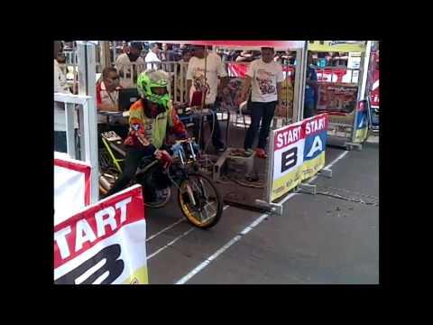 vidio motor drag bike senayan jakarta
