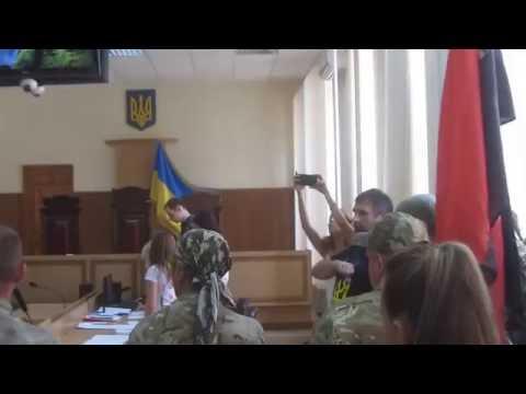 Побіг суддів при виконанні Славню України!