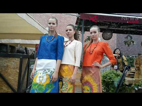 ANTARANEWS - Puluhan Model Rusia Meriahkan Festival Indonesia di Moskow