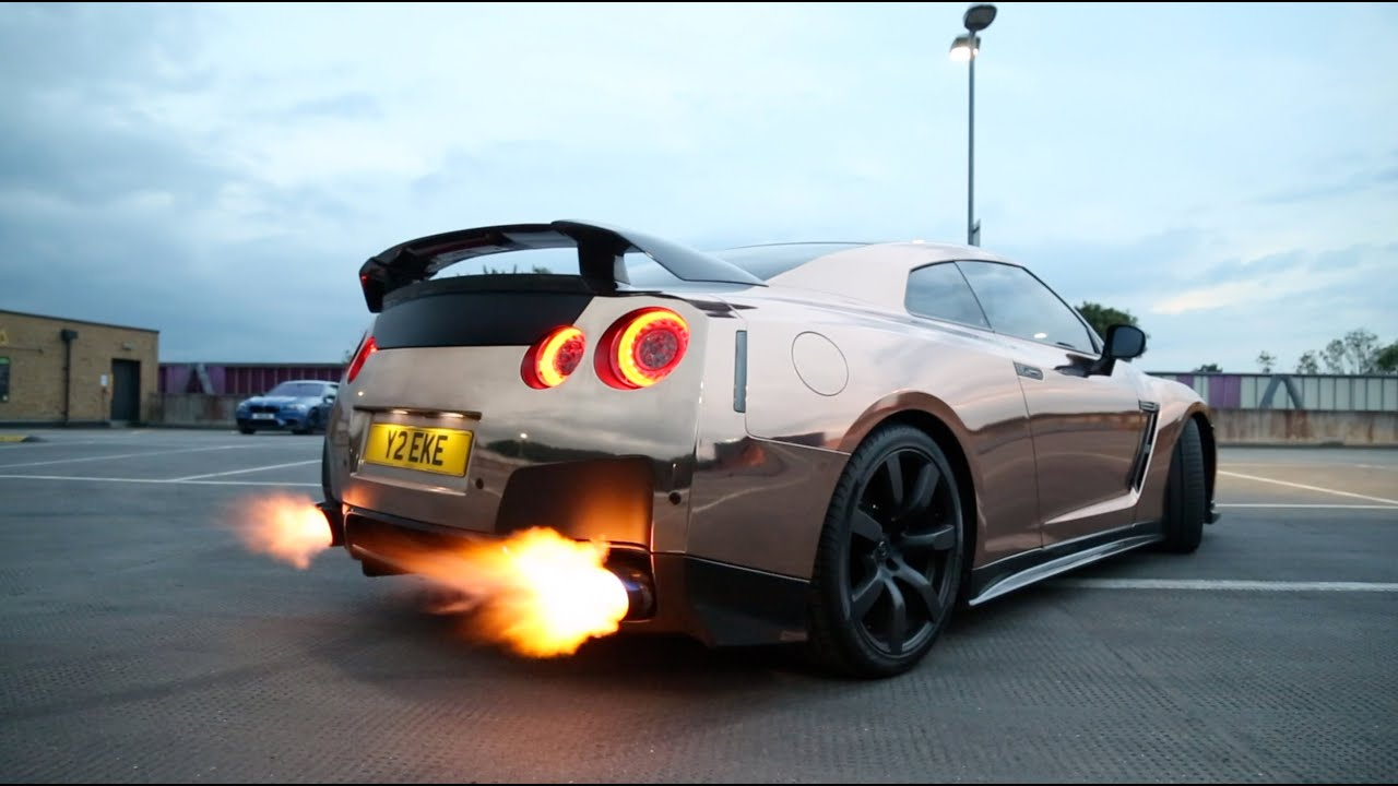 Crazy Customized Nissan Gtr Loud Exhaust Flames Doovi