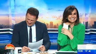 Video Karl Stefanovic and Lisa Wilkinson giggle over 93-year-old's raunchy joke download MP3, 3GP, MP4, WEBM, AVI, FLV November 2017